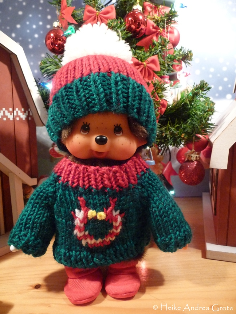like to wear knitted pullovers with a christmas design.